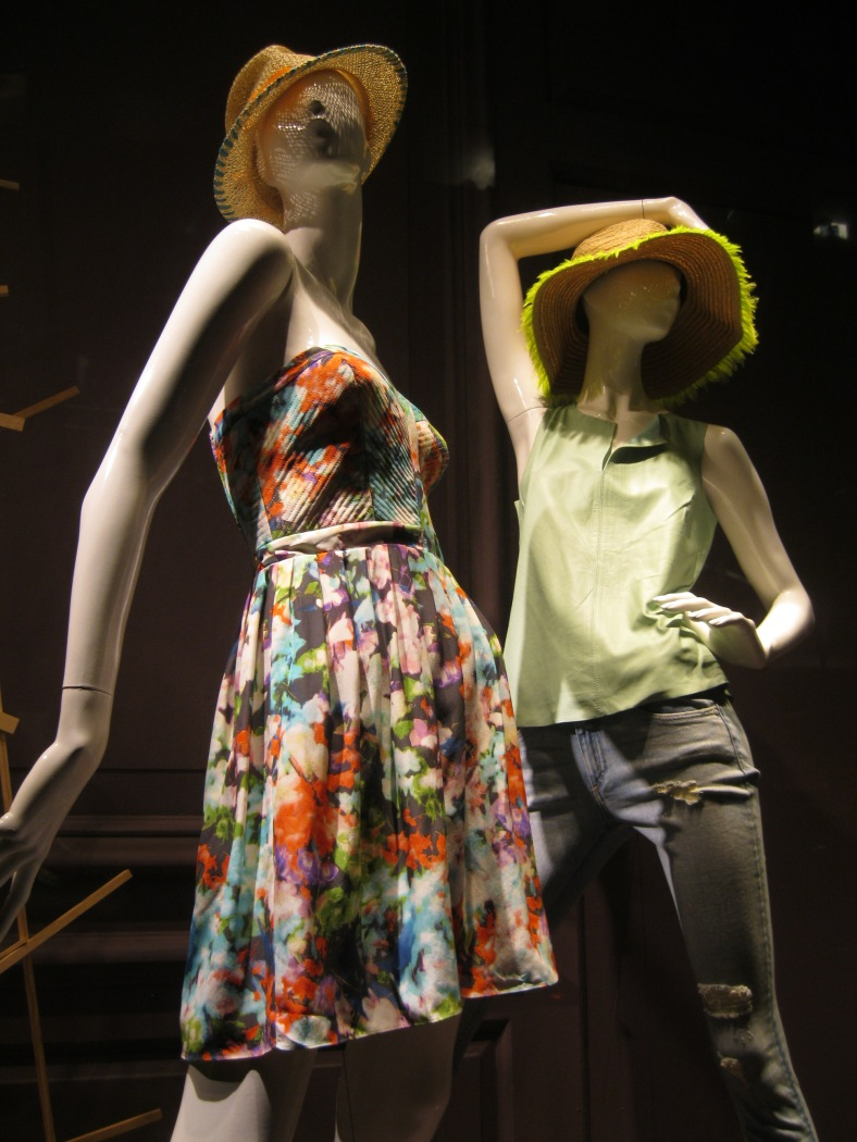 7....IMG_5648_saks 5th ave