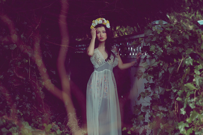 6_or after related answer_vintage-night-gown-and-flower-crown