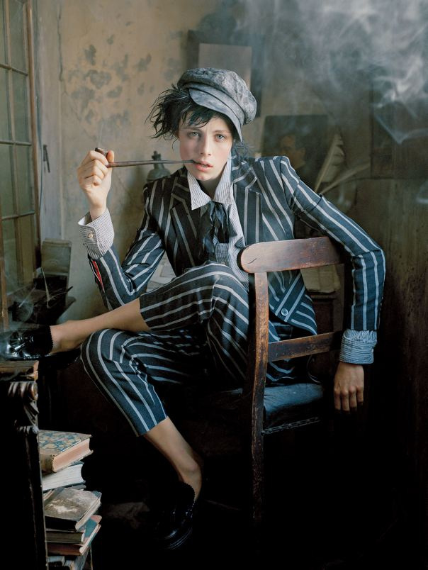 1_edie-campbell-by-tim-walker-for-vogue-us-december-2013