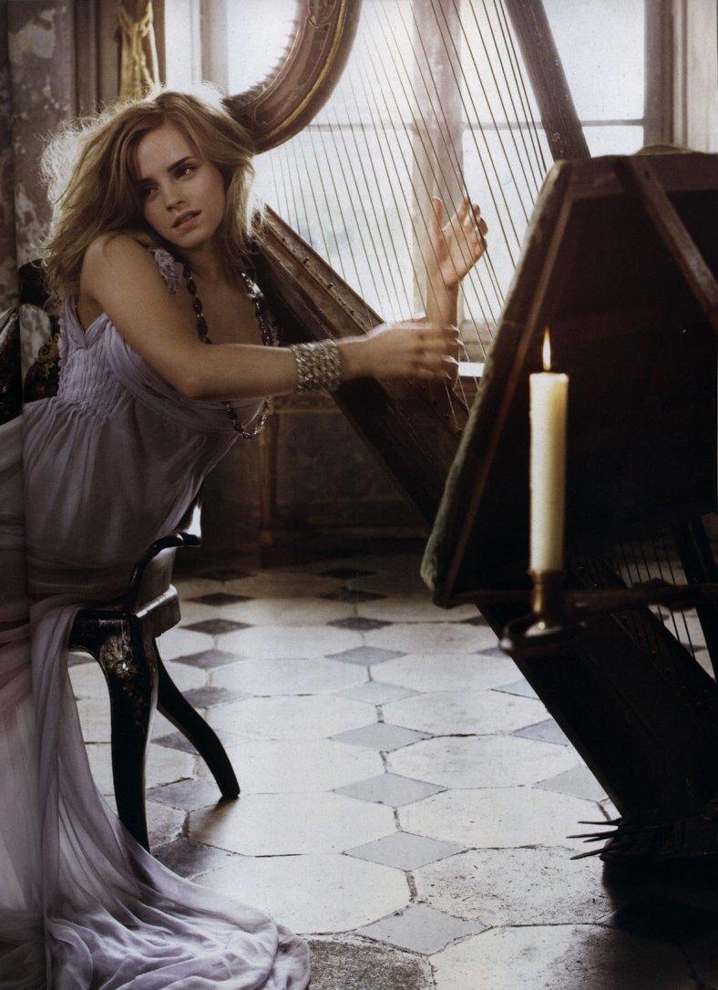 15_Vogue-Italia-emma-watson-3182160-1174-1618
