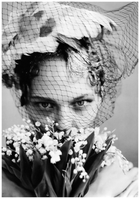 1_photo-arthur-elgort-sasha-pivovarova-vogue-us-june-2009-the-wedding-party