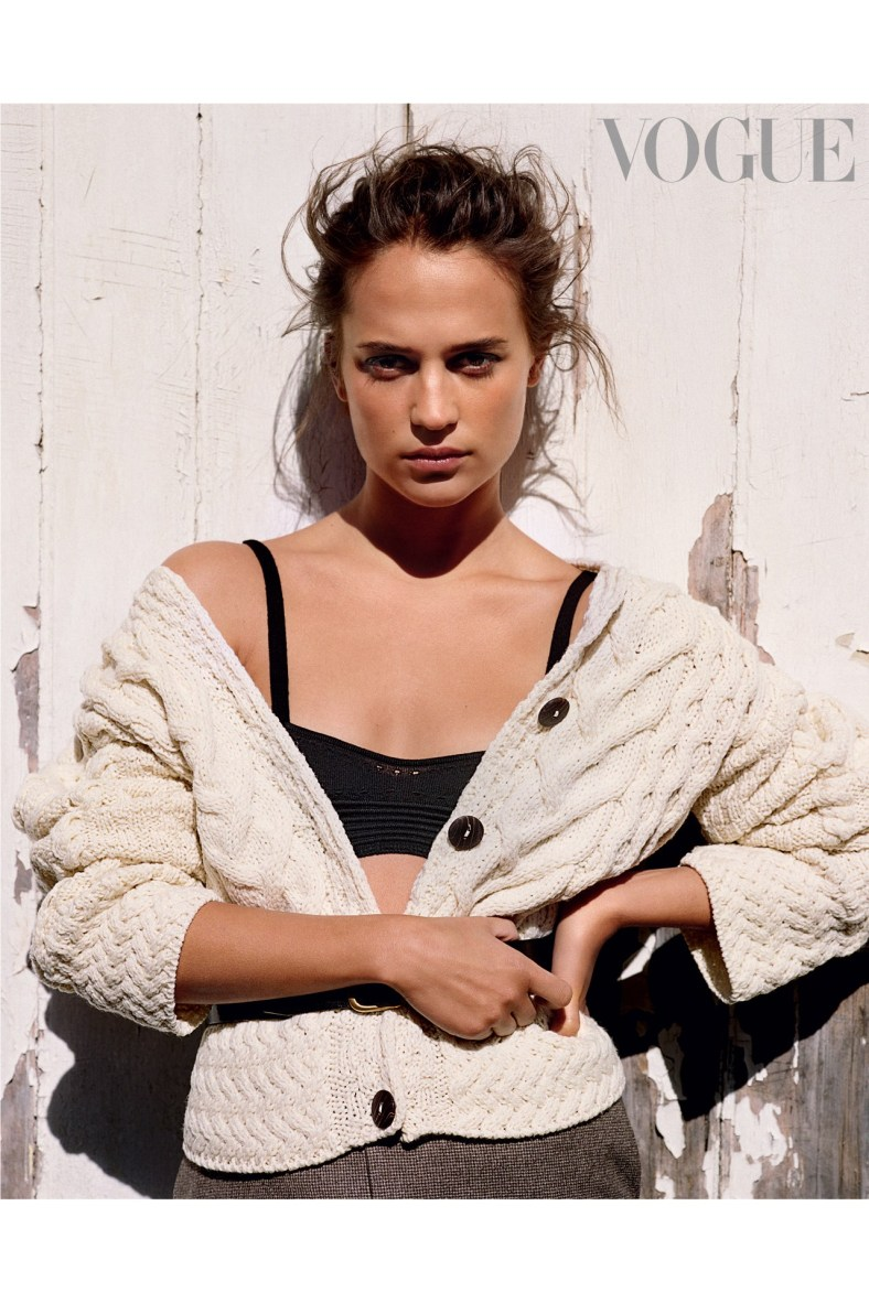 9_Alicia-Vikander-for-online-vogue-30june16_B